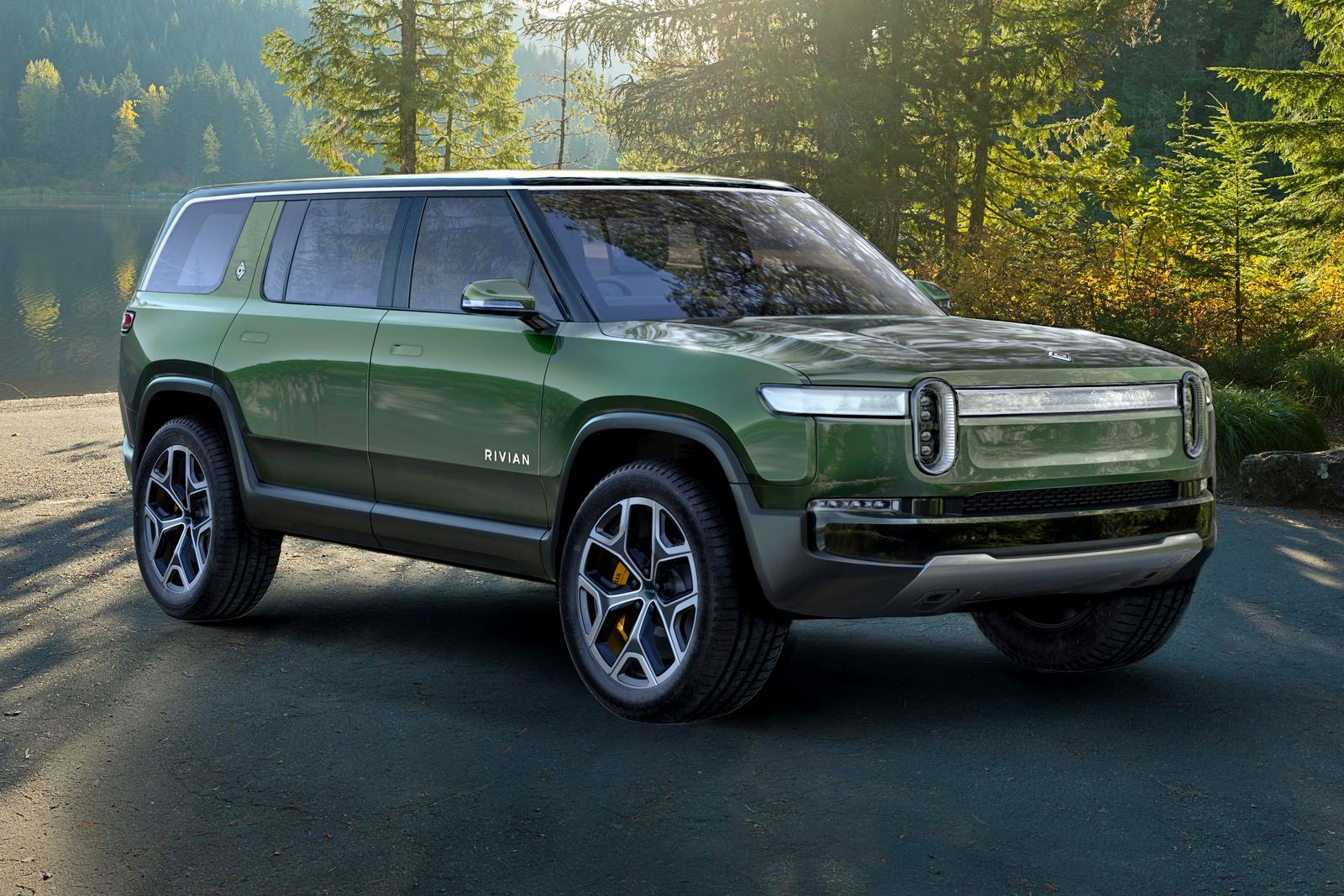 2018_11_A.-Rivian_R1S_Front
