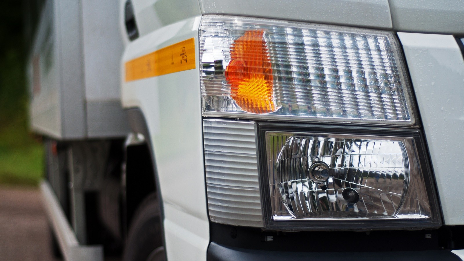 Fuso Canter TF фара