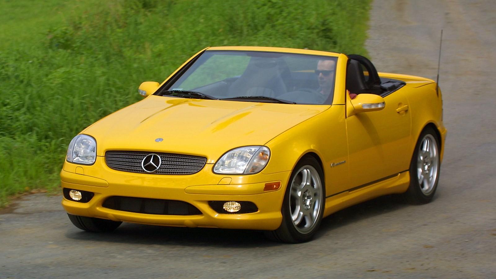 На фото: Mercedes-Benz SLK 32 AMG '2001–04
