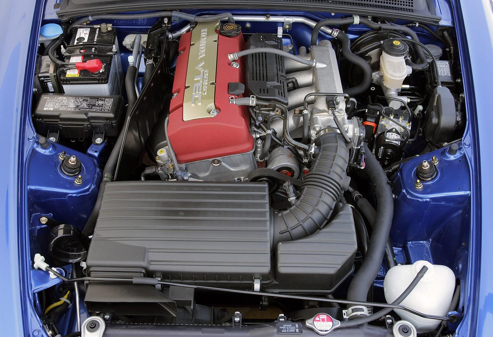 Немолодая, капризная, редкая, но желанная: стоит ли покупать Honda S2000 за 2 миллиона