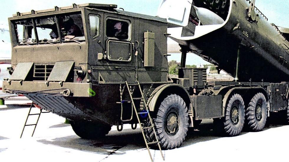 Установка СПУ-243 комплекса «Рейс-Д» на шасси БАЗ-135МБ (из архива СКБ ЗИЛ)