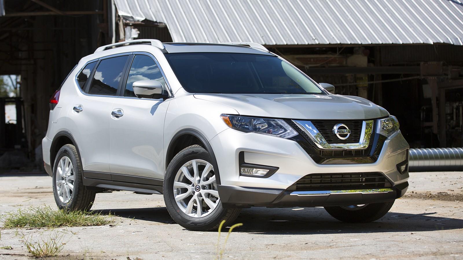 На фото: Nissan Rogue