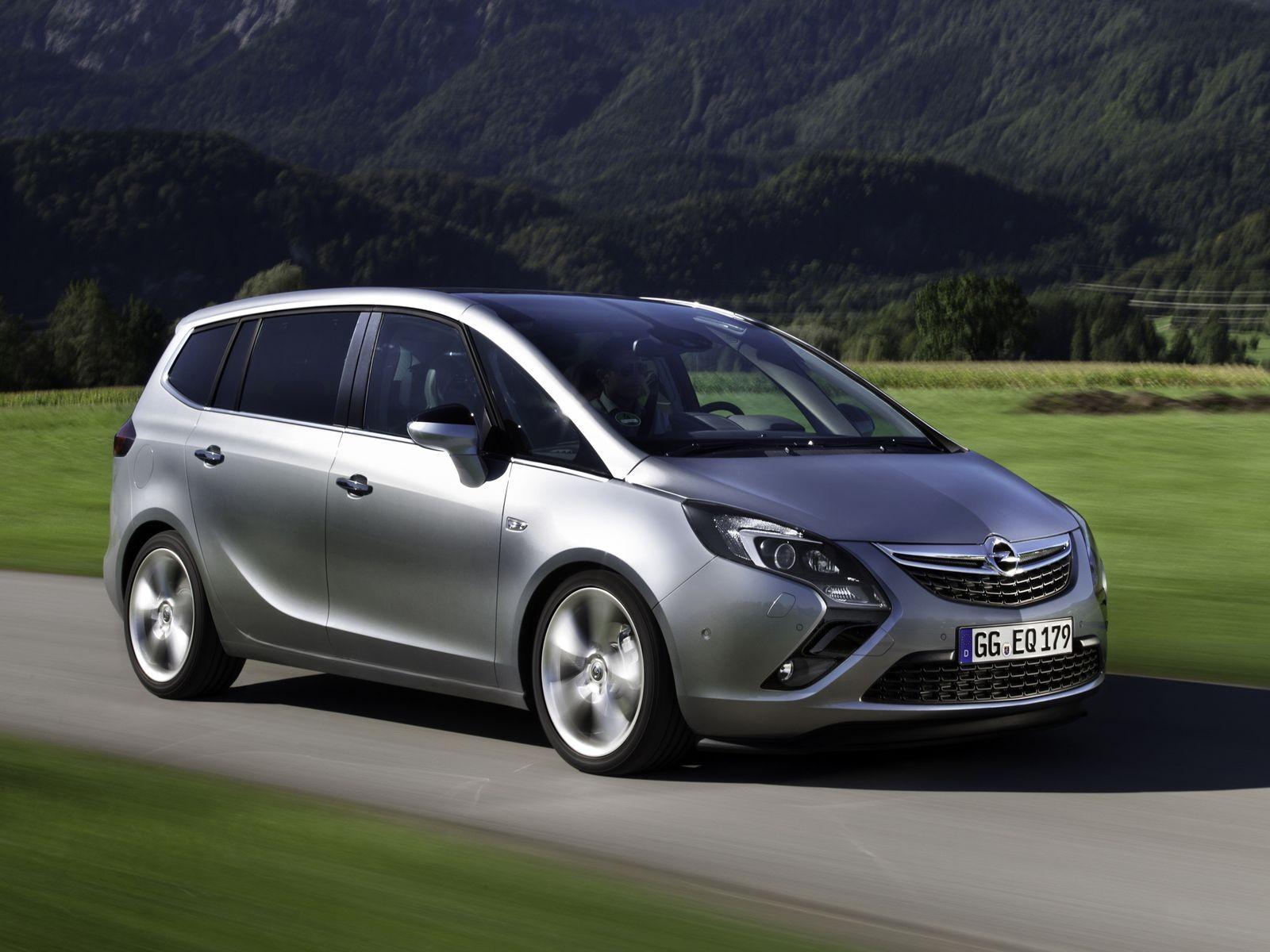 5 причин покупать и не покупать Opel Zafira