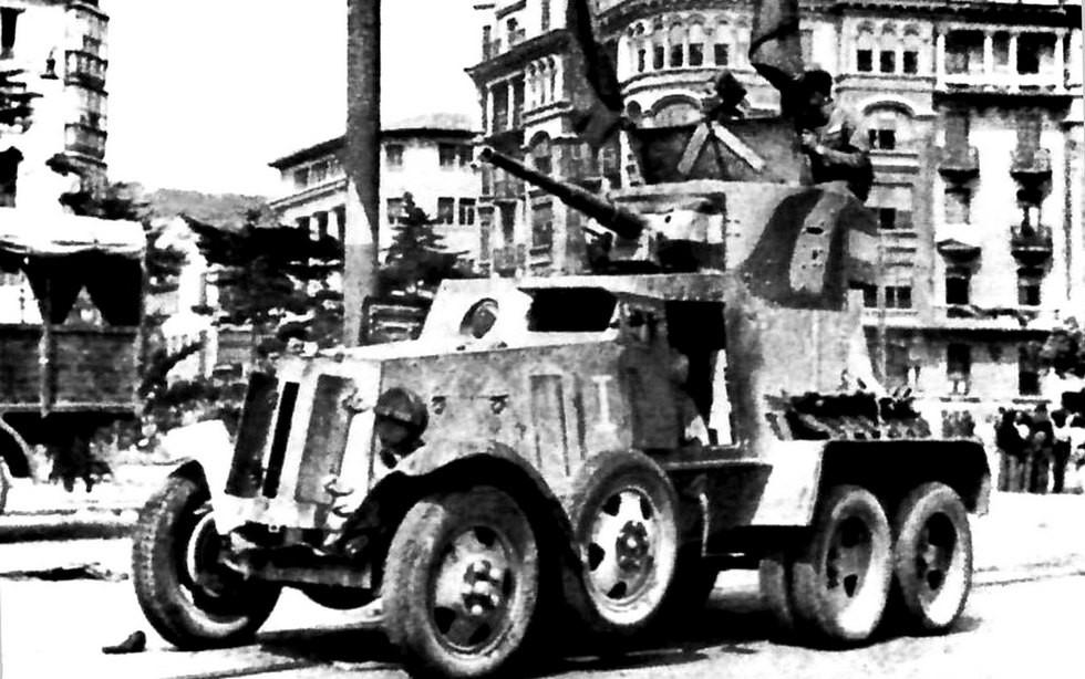 Первая советская бронемашина БА-6 во время Гражданской войны в Испании