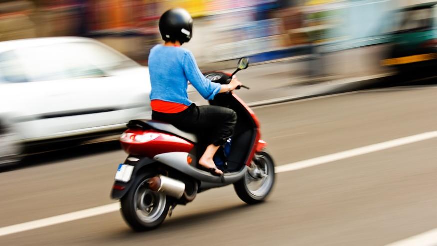 Новый штраф для мотоциклистов: им хотят запретить ехать параллельно с другими ТС в одной полосе