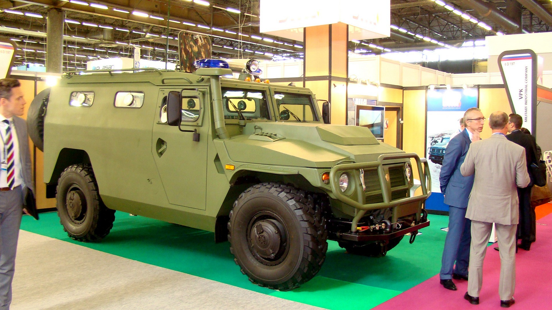 Бронемашина ВПК-233136 «Тигр» на стенде Военно-промышленной компании