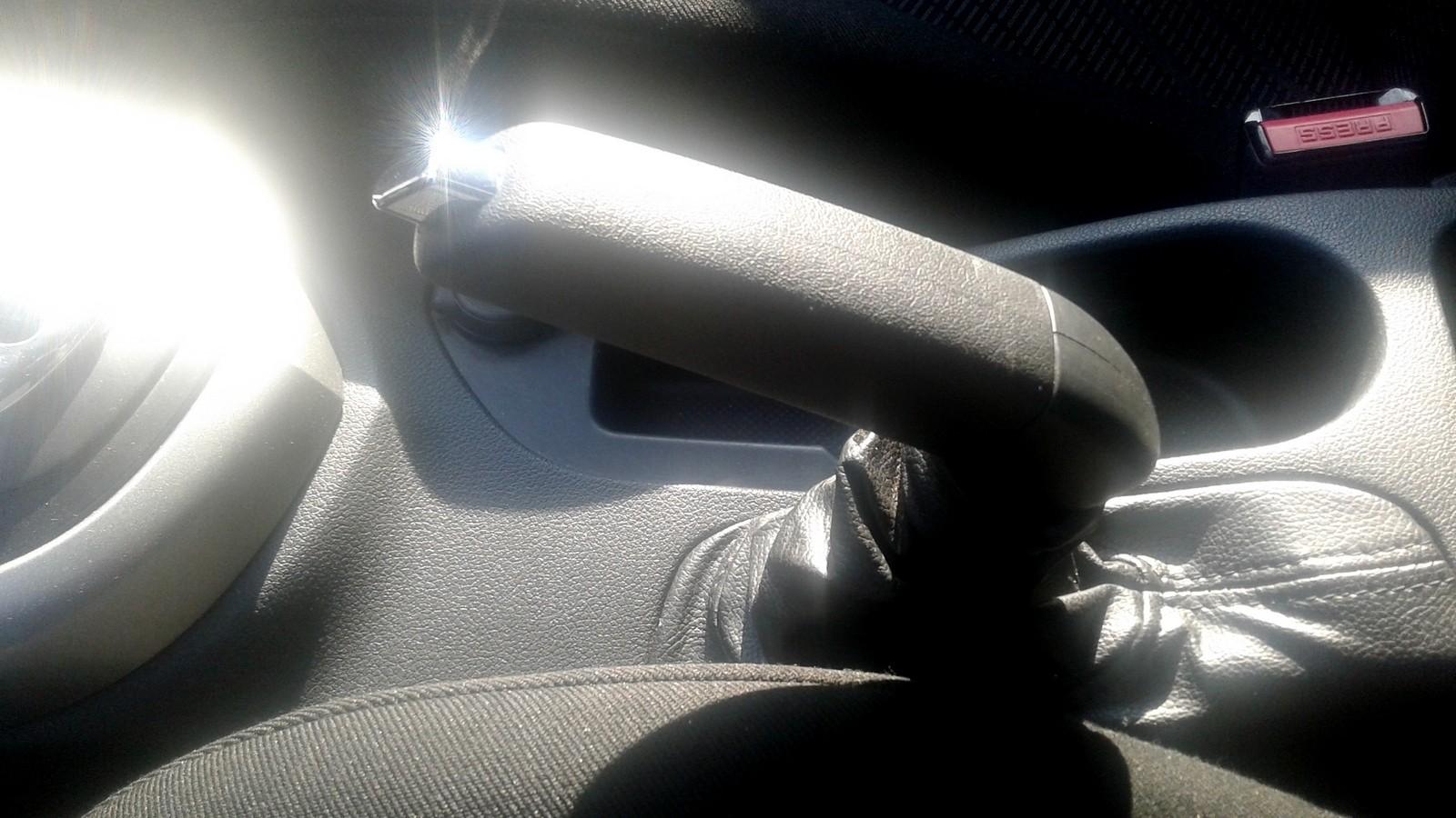 Peugeot 308 ручник