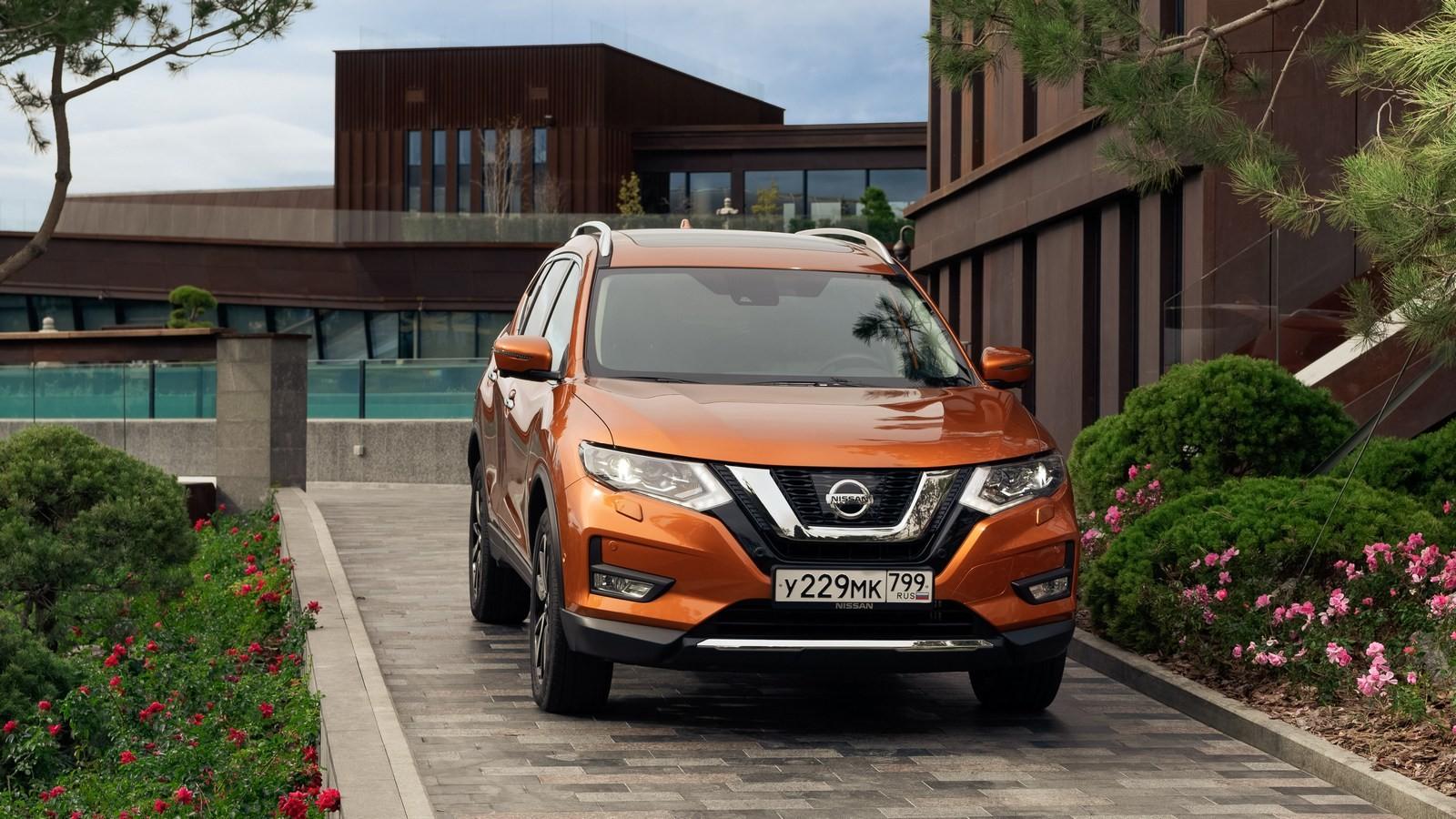 Nissan X-trail оранжевый спереди (2)