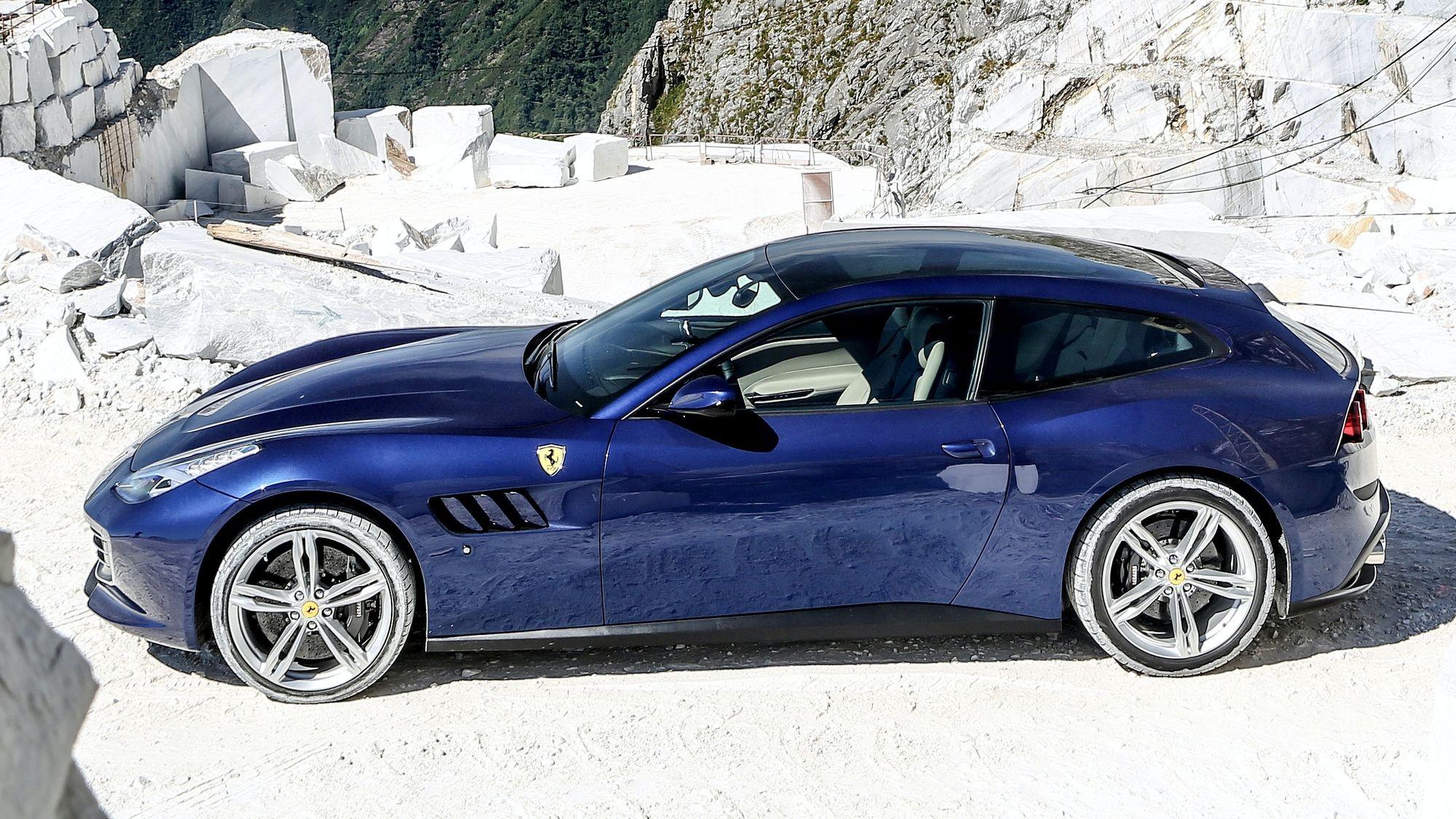 Ferrari без полного привода: модель GTC4Lusso отправлена в отставку