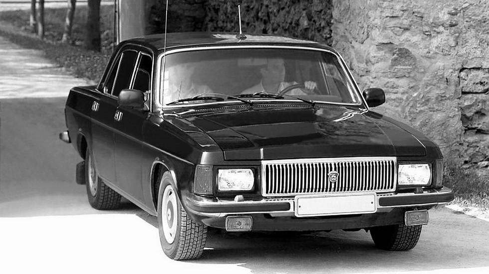 Существовала и спецверсия ГАЗ-31013 — «догонялка» с двигателем V8 от Чайки