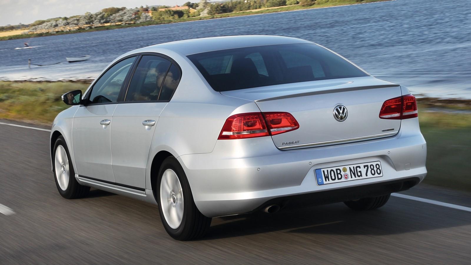 На фото: Volkswagen Passat (B7) '2013–14