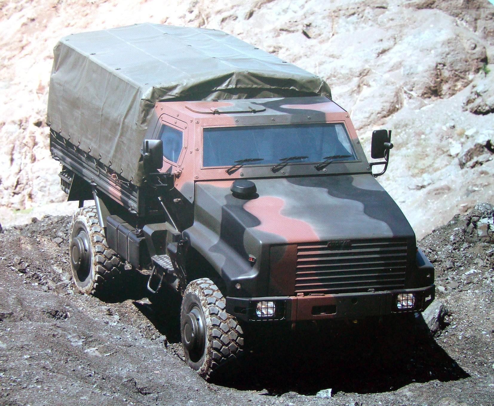 Полубронированный 4,5-тонный грузовой автомобиль на шасси Kaya