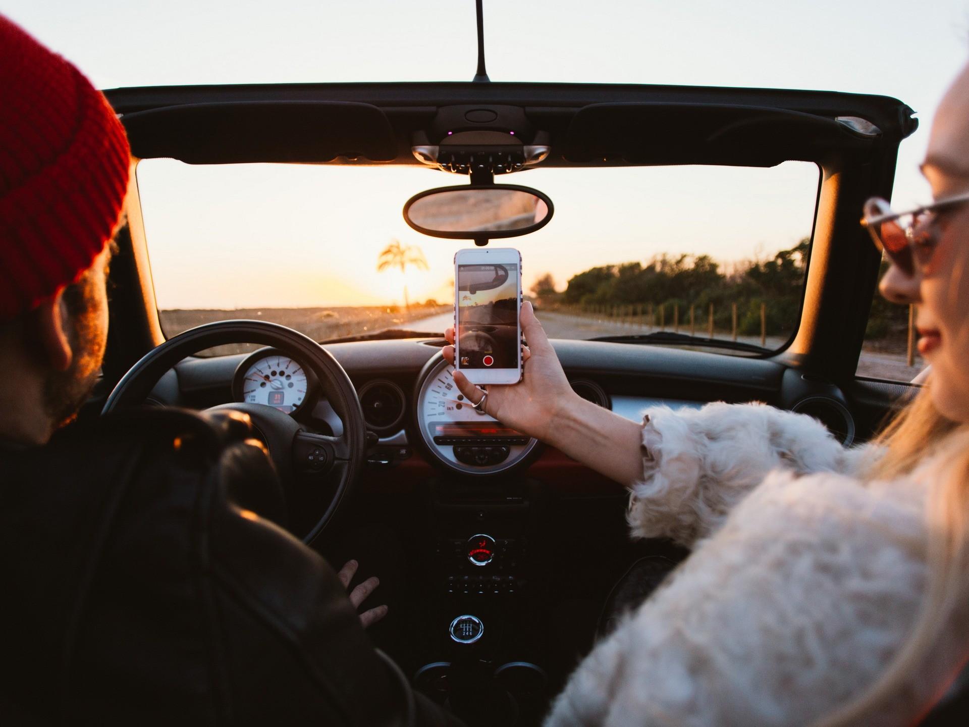 ТОП-5 советов по использованию недорогого смартфона в машине