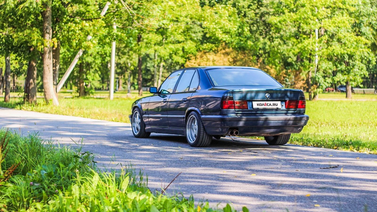 BMW-5-серии-E34-сзади-(3)