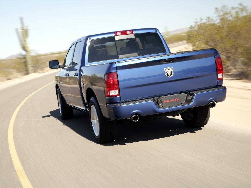 На фото: актуальный Dodge Ram 1500 Sport Crew Cab