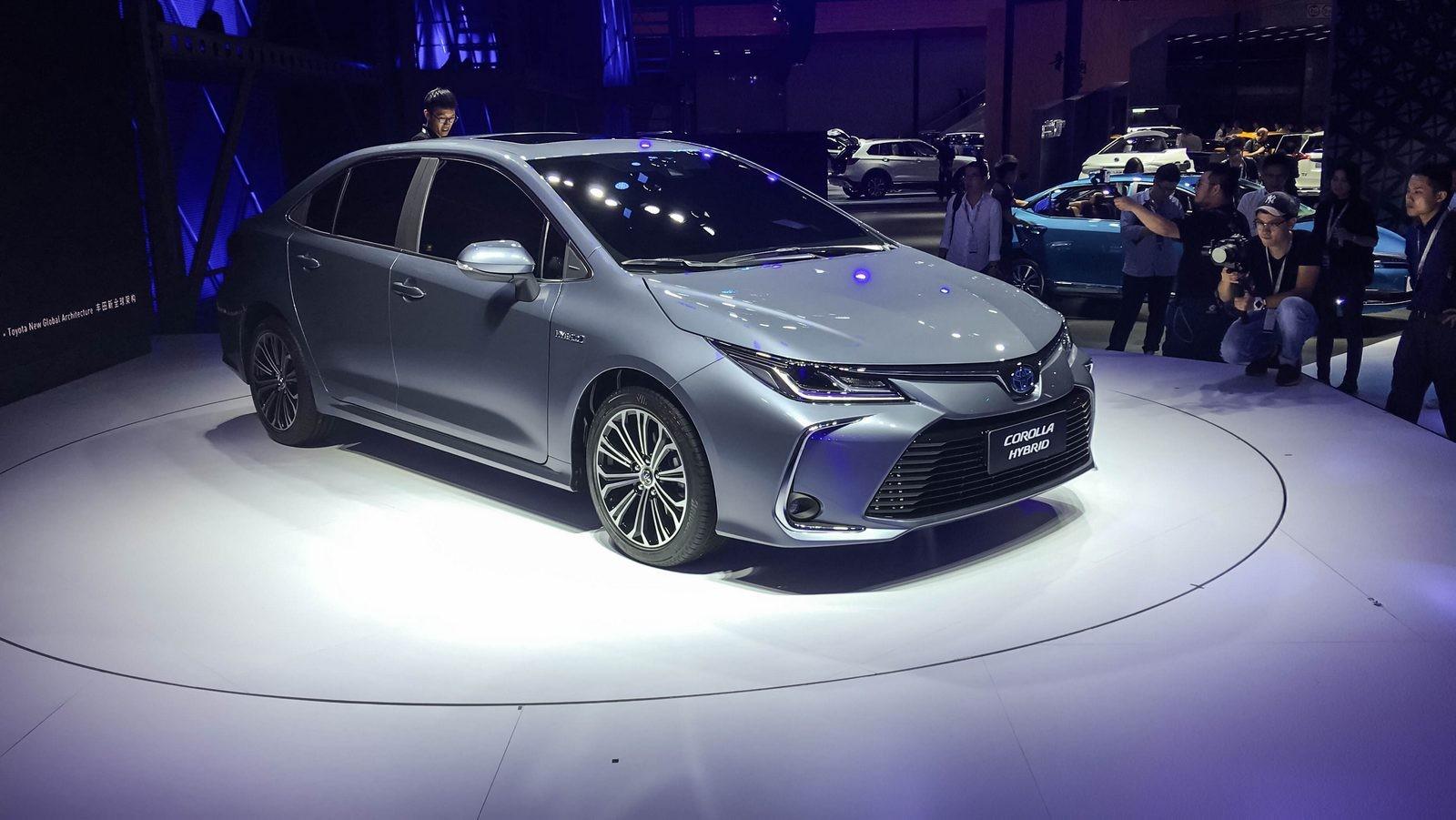 Toyota Corolla три четверти (2)