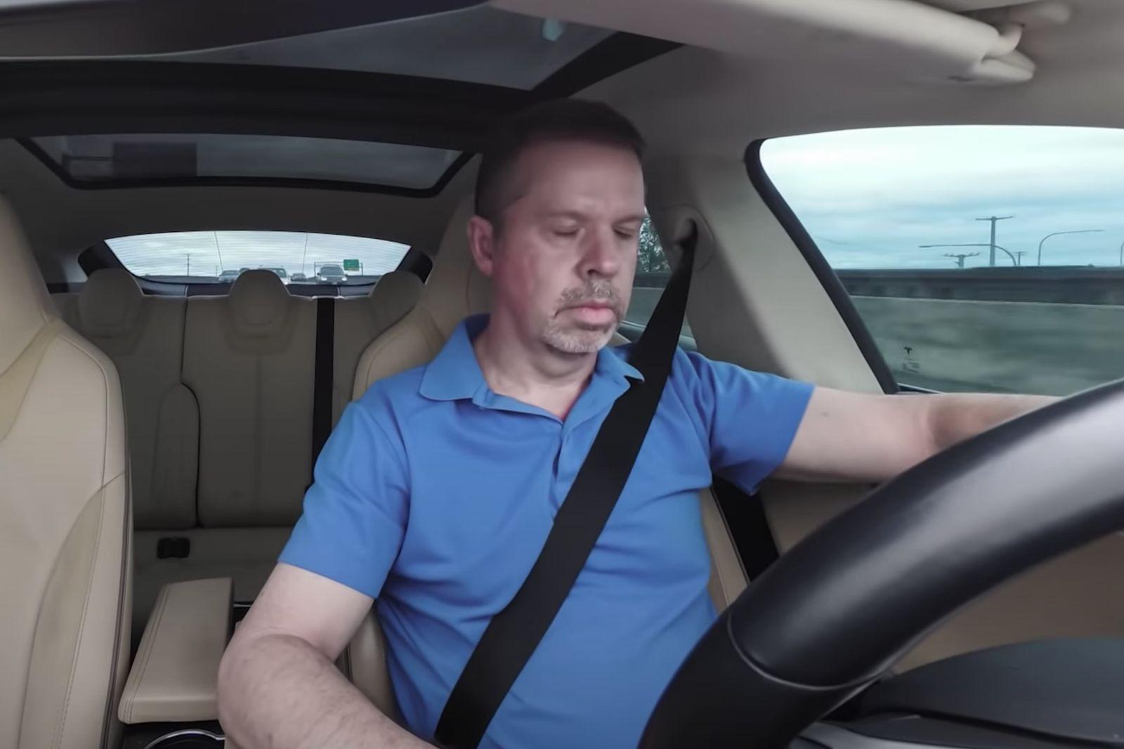 Новое в тестах Euro NCAP: встречка, поворот, движение задним ходом и сон за рулём