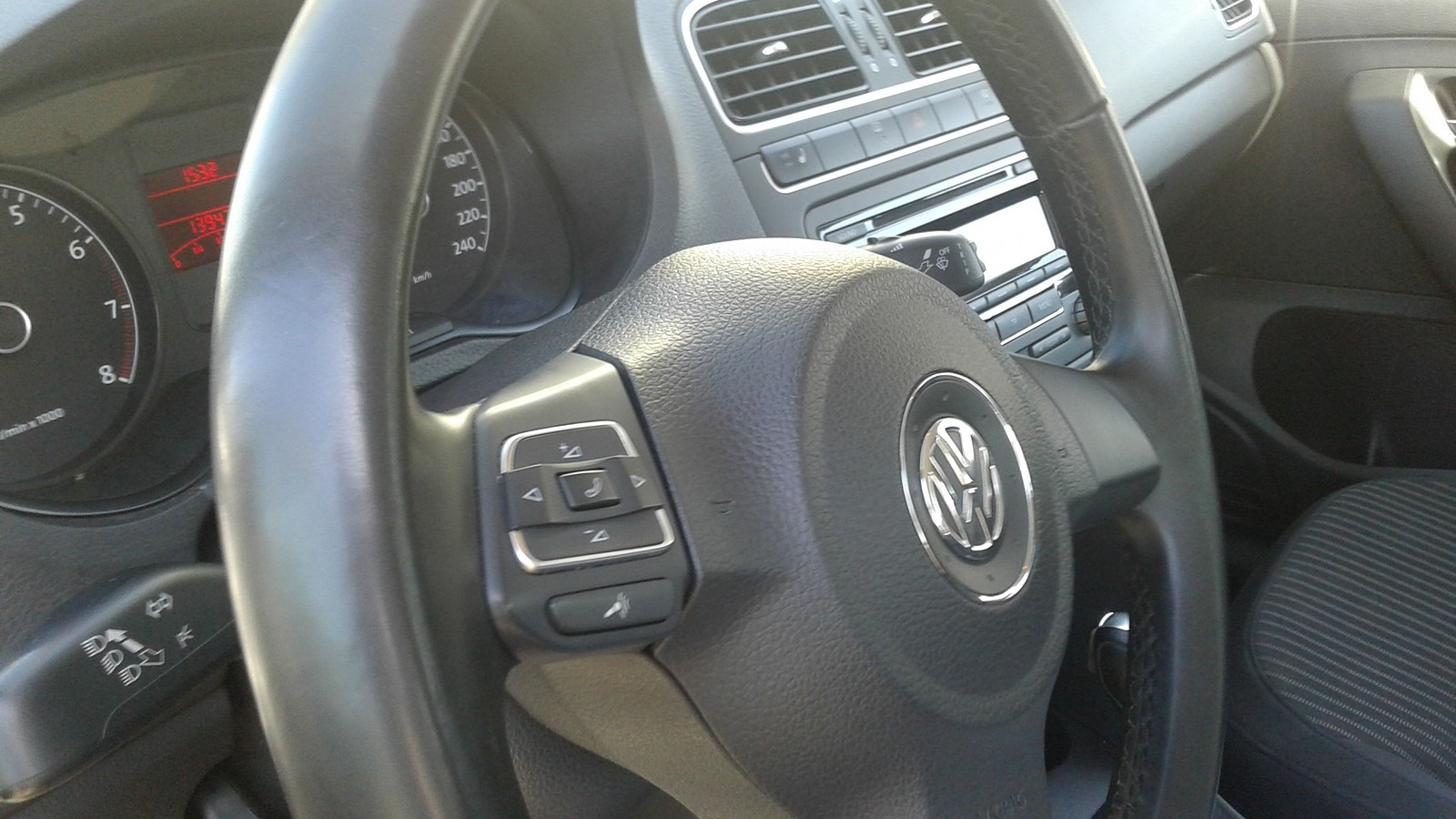 Volkswagen Polo Sedan руль