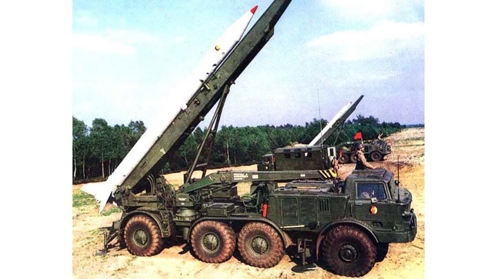 Серийные пусковые установки 9П113М «Луна-М» в Народной армии ГДР (из архива БАЗ)