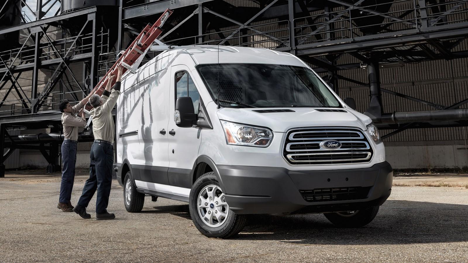 На фото: актуальная версия Ford Transit