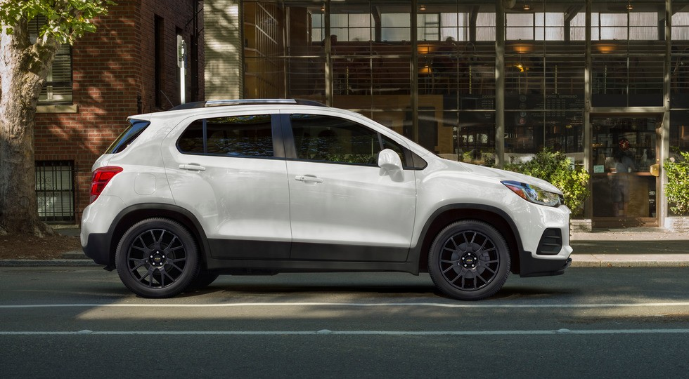 Брат прежнего Opel Mokka от Chevrolet не собирается на покой: паркетник Trax стал мощнее