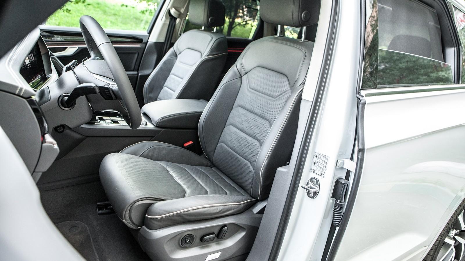 Land Rover Discovery передние сидения