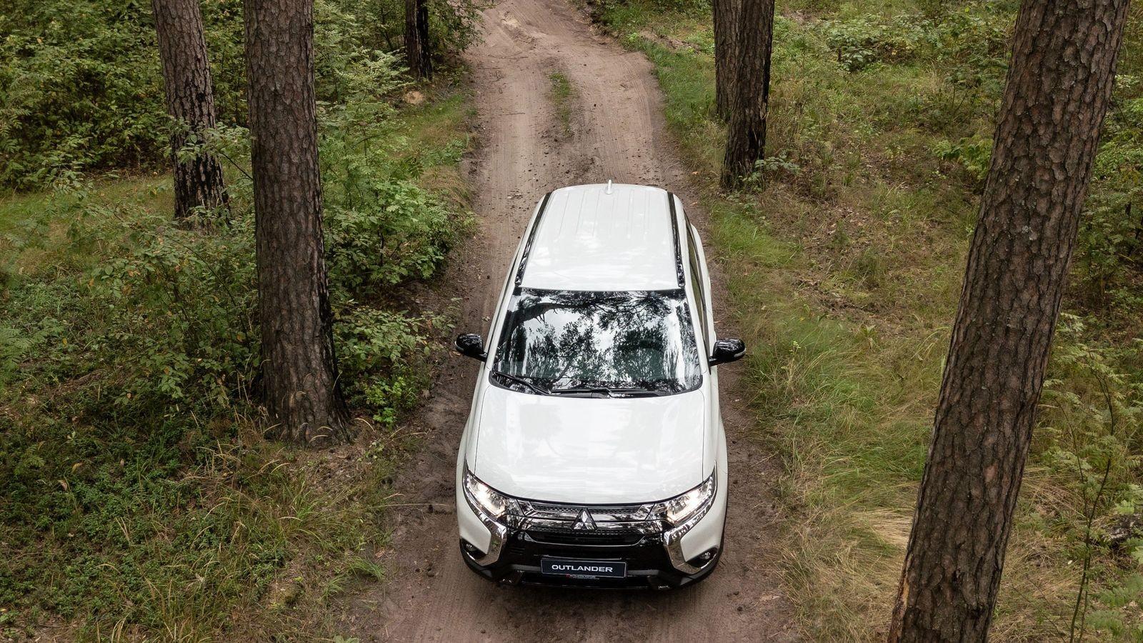 Крутилки вернули назад, а тягу распределили по колёсам: тест-драйв Mitsubishi Outlander 2020