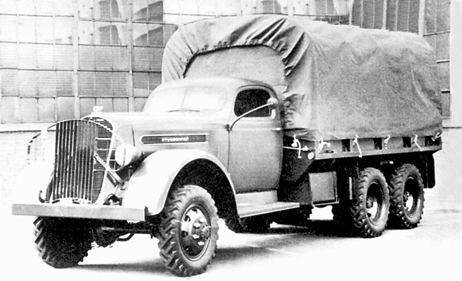 Первый трехосный 2,5-тонный военный автомобиль Studebaker K25S. 1941 год