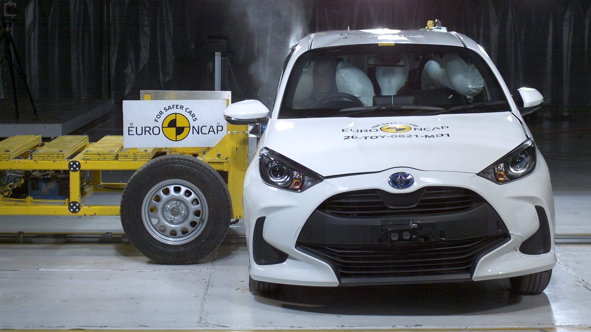 Toyota Yaris в новой программе Euro NCAP: встречка далась тяжёло, но выжить можно