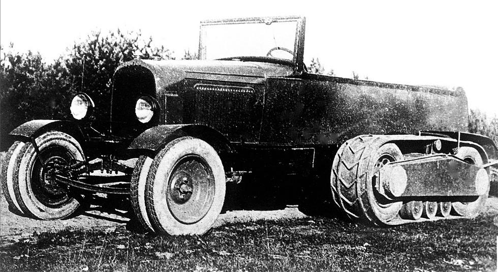 Первый вариант вездехода НАТИ-2 с тремя опорными катками. 1930 год