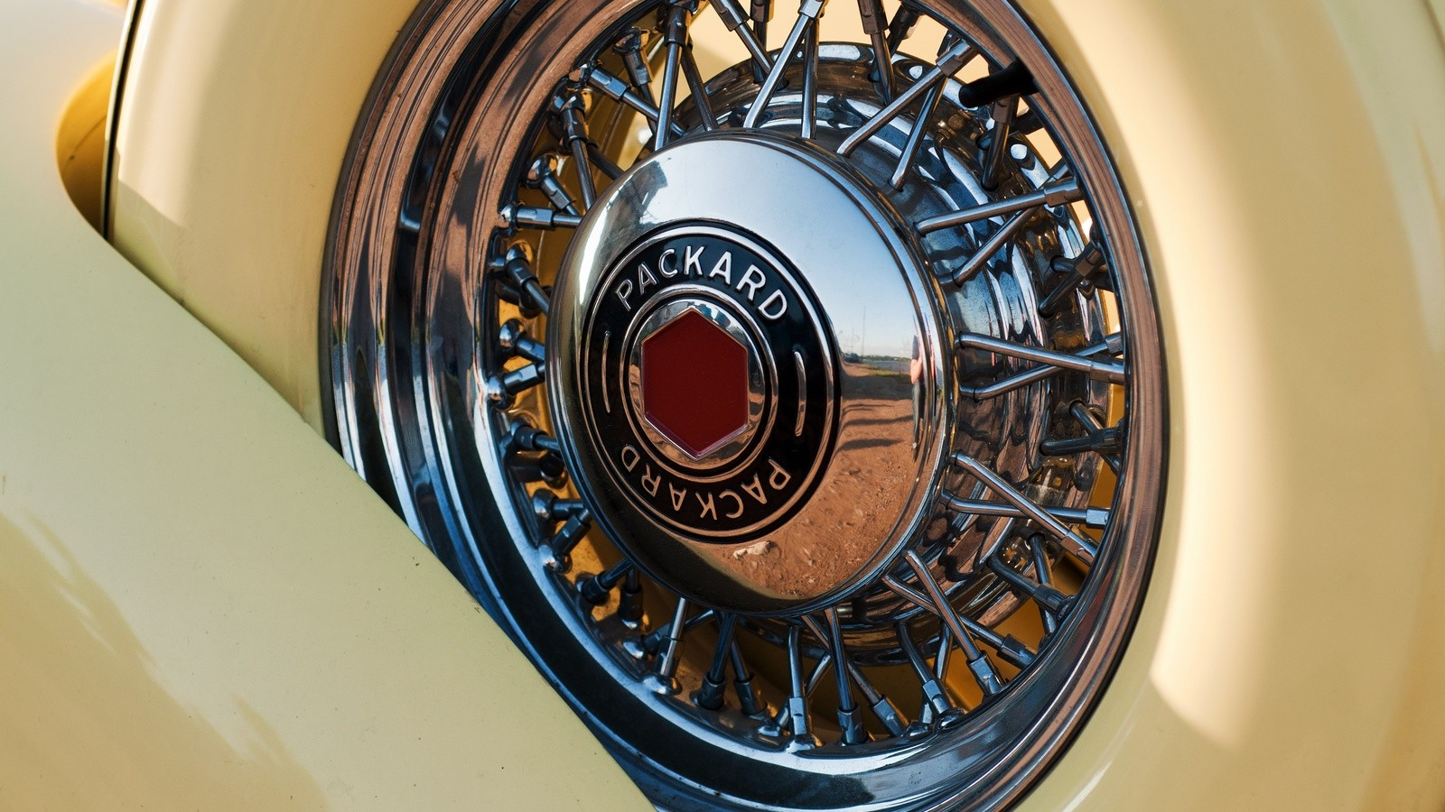 Packard Eight 1937 колесо
