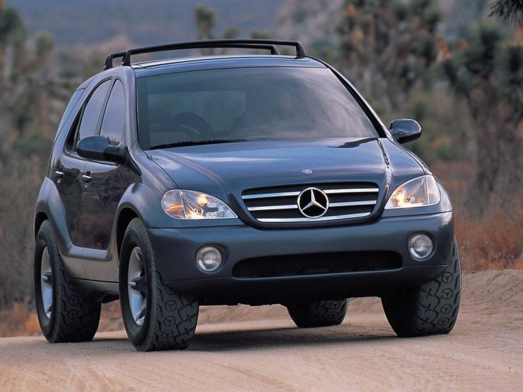 На фото: Mercedes-Benz AAV Concept '1996