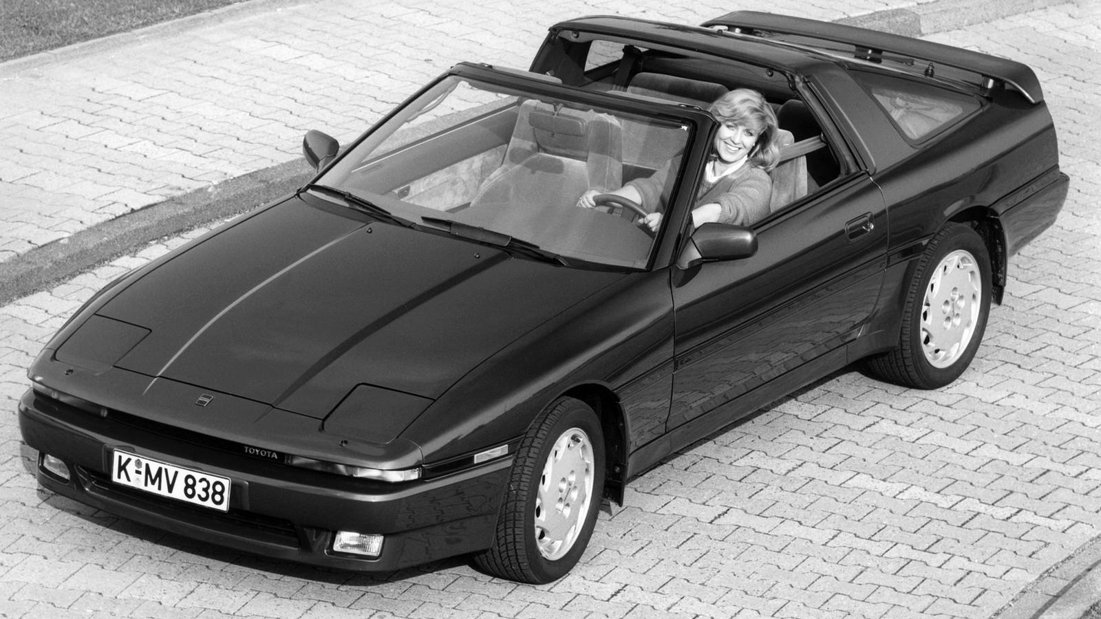 На фото: Toyota Supra Targa '1986–89