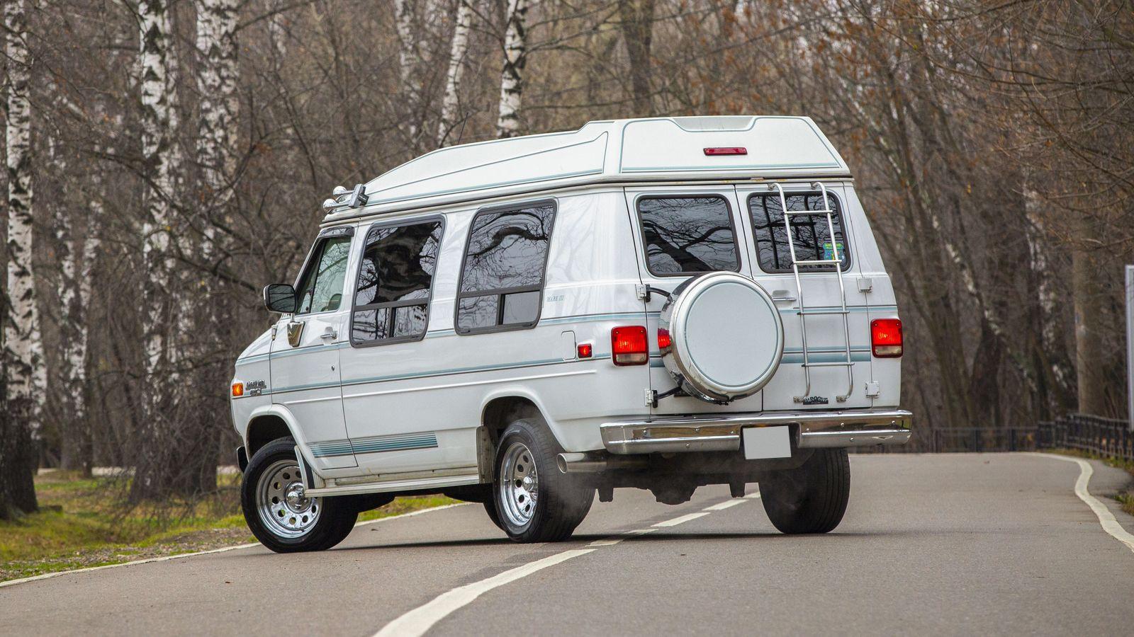 Дороже заправить, чем отремонтировать: опыт владения Chevrolet Chevy Van 1993 года
