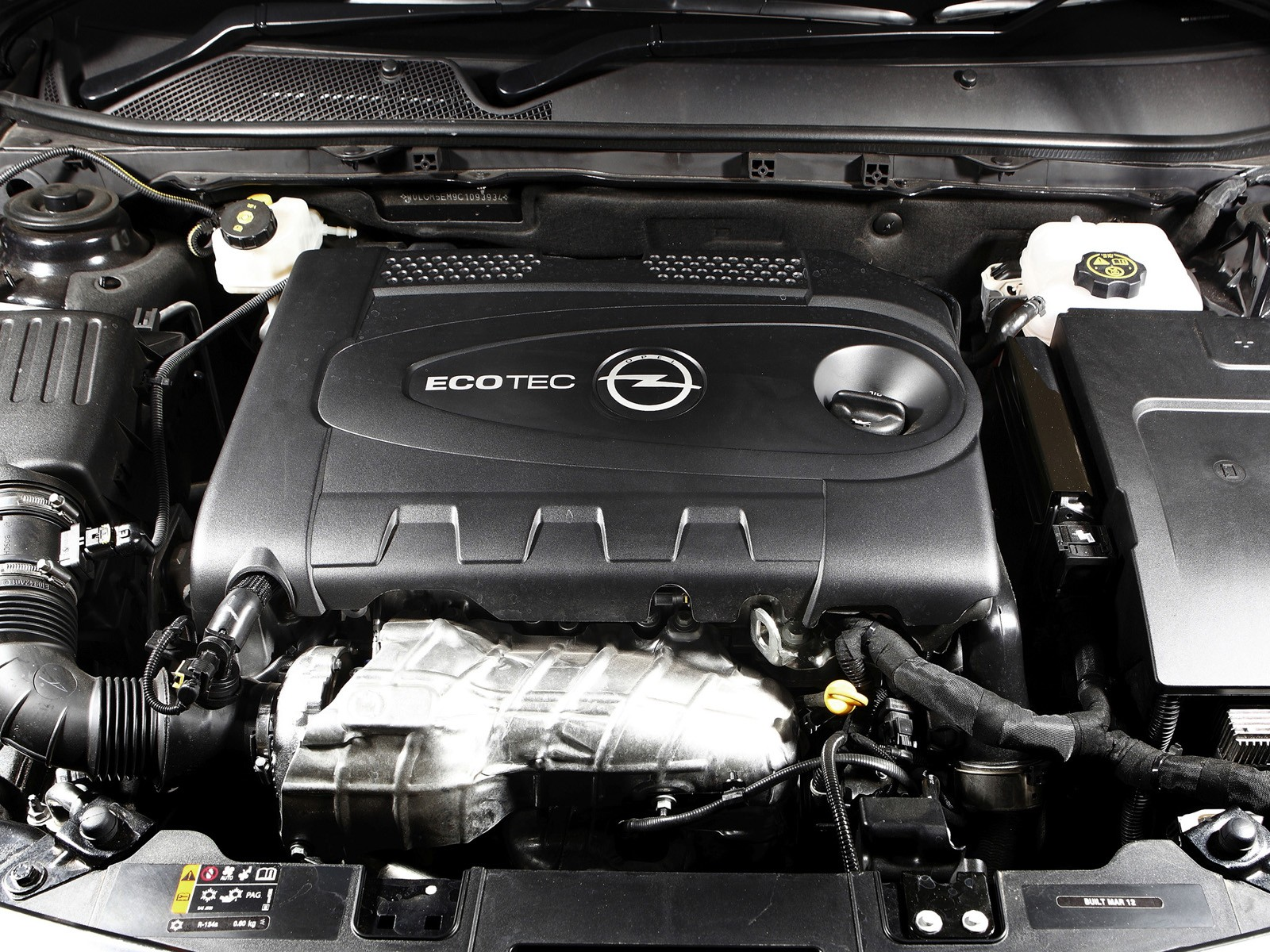 Opel Insignia с пробегом: крепкие разнообразные подвески и абсурдные турбомоторы