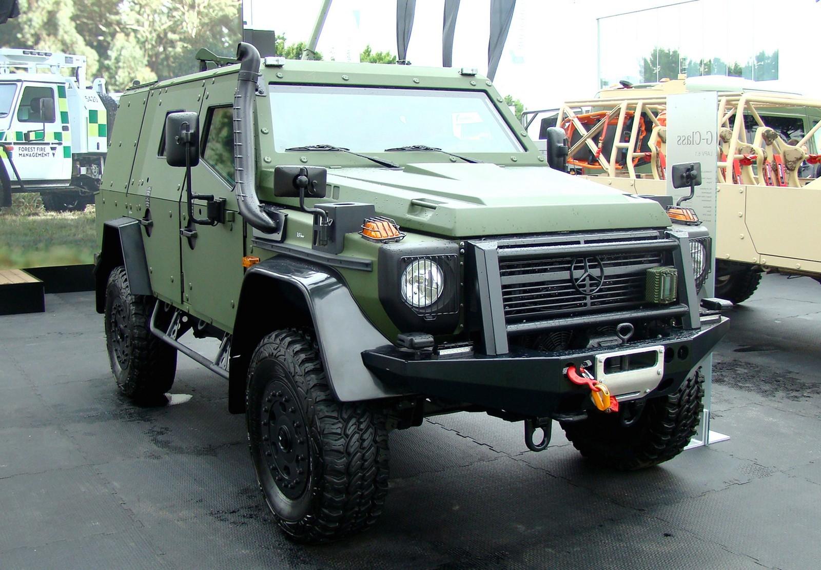 Легкая 5-дверная бронемашина Mercedes-Benz LAPV 6.1 на шасси G300CDI