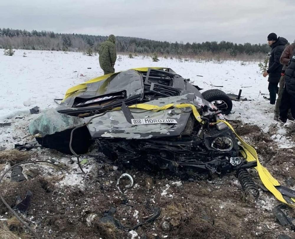 Разочарованный владелец Гелендвагена на спор сбросил его с вертолёта