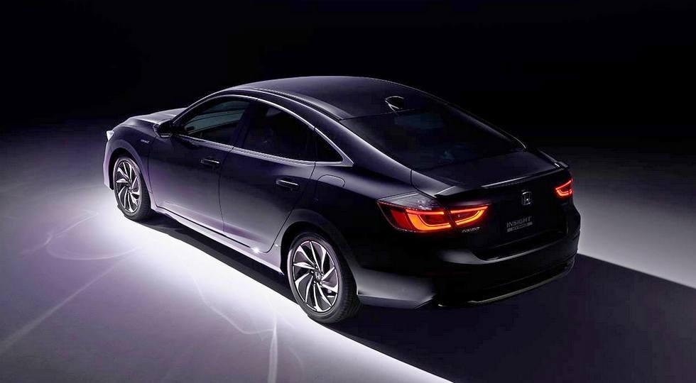 Новый Honda Insight для японского рынка