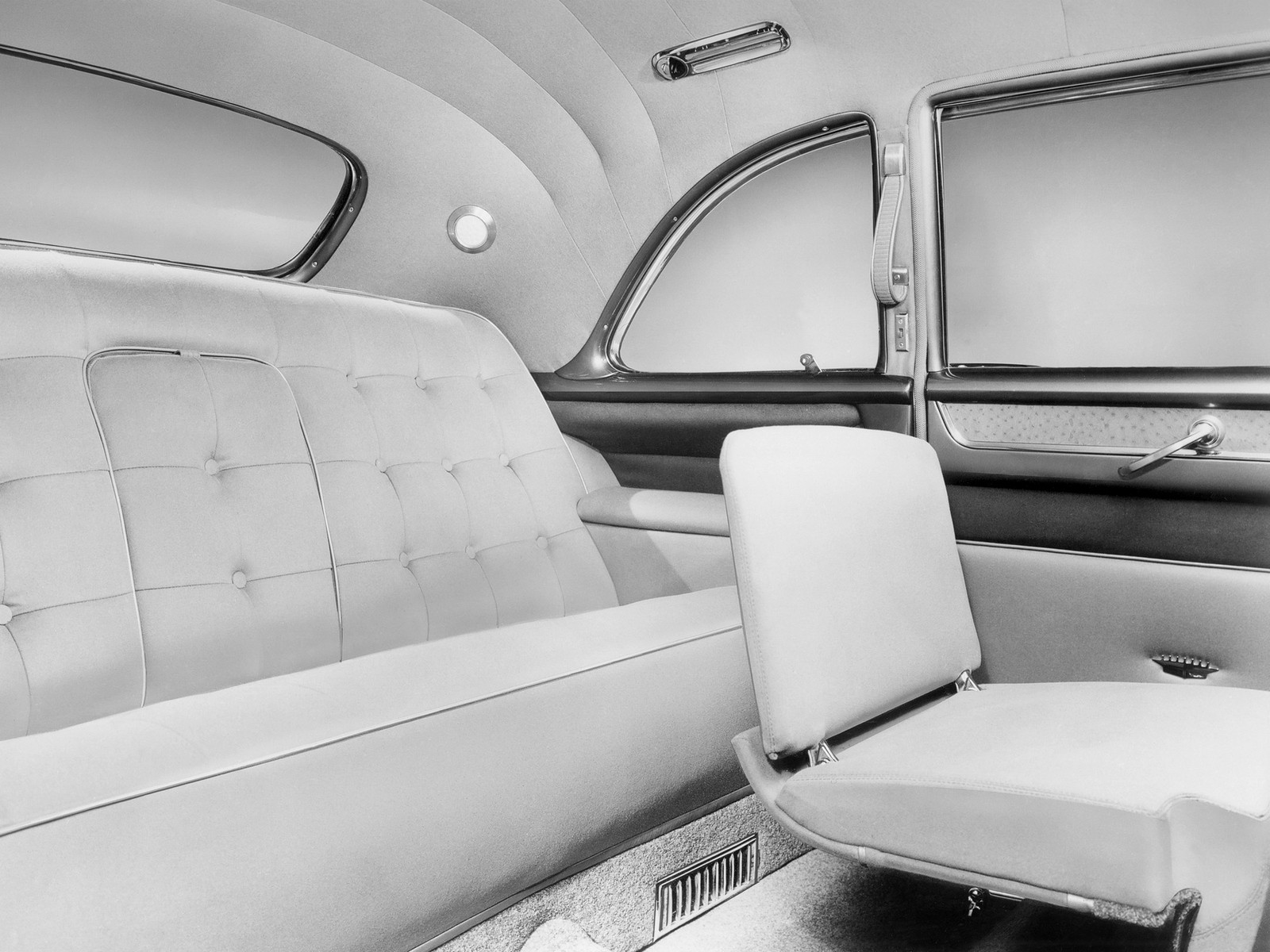 Cadillac Fleetwood 75 интерьер