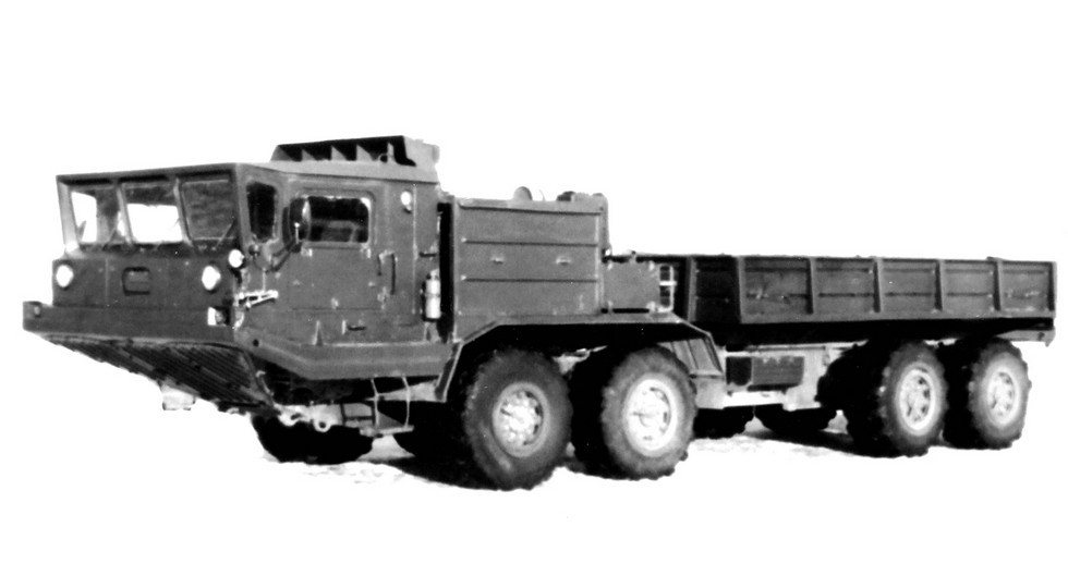 Модернизированный 14-тонный грузовик БАЗ-69501 с бортовой трансмиссией