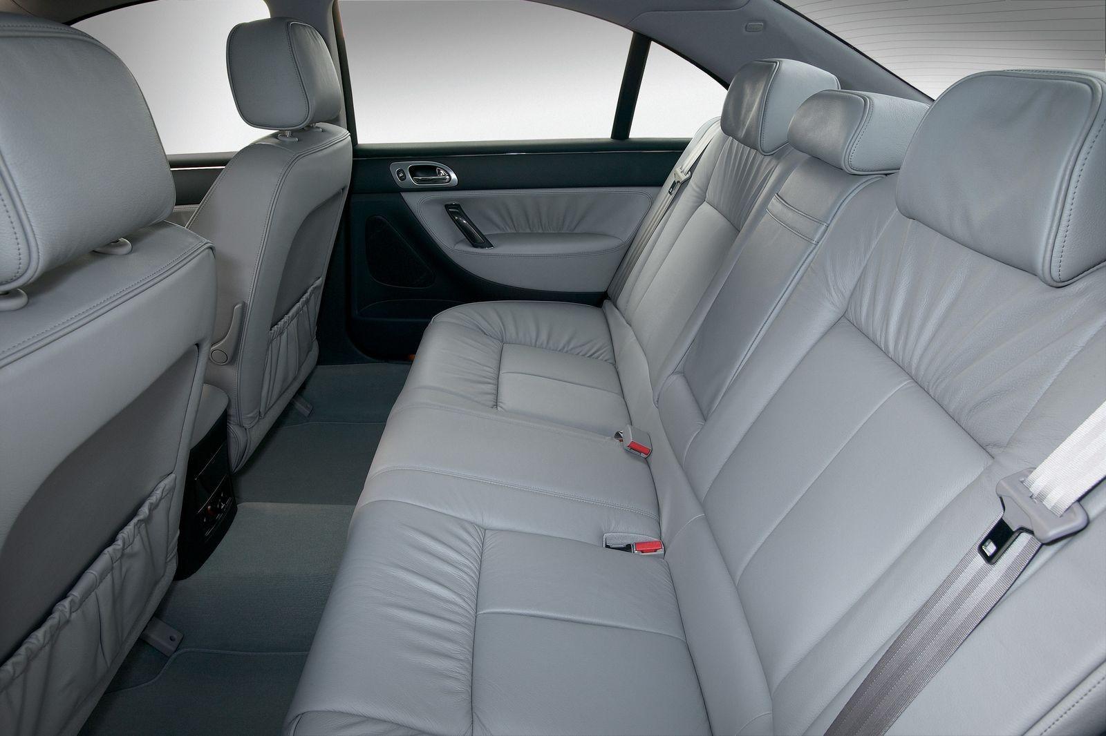 Больше Camry, с V6 и дешево: стоит ли покупать Peugeot 607 за 500 тысяч рублей