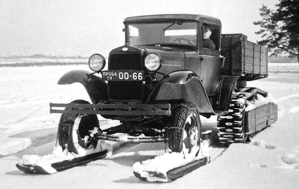 ГАЗ-60 в зимней лыжно-колесно-гусеничной комплектации. 1940 год