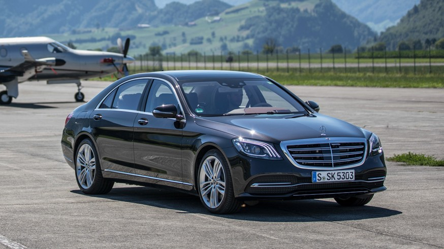 Mercedes S-Class седьмого поколения: меньше физических кнопок и большой тачскрин мультимедиа