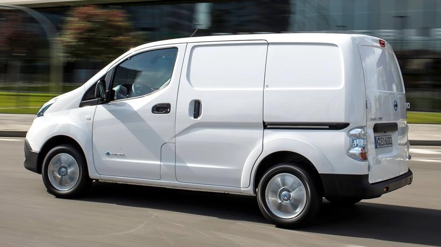 Nissan сделал фургон e-NV200 длиннее и выше. Объём грузового пространства вырос почти вдвое