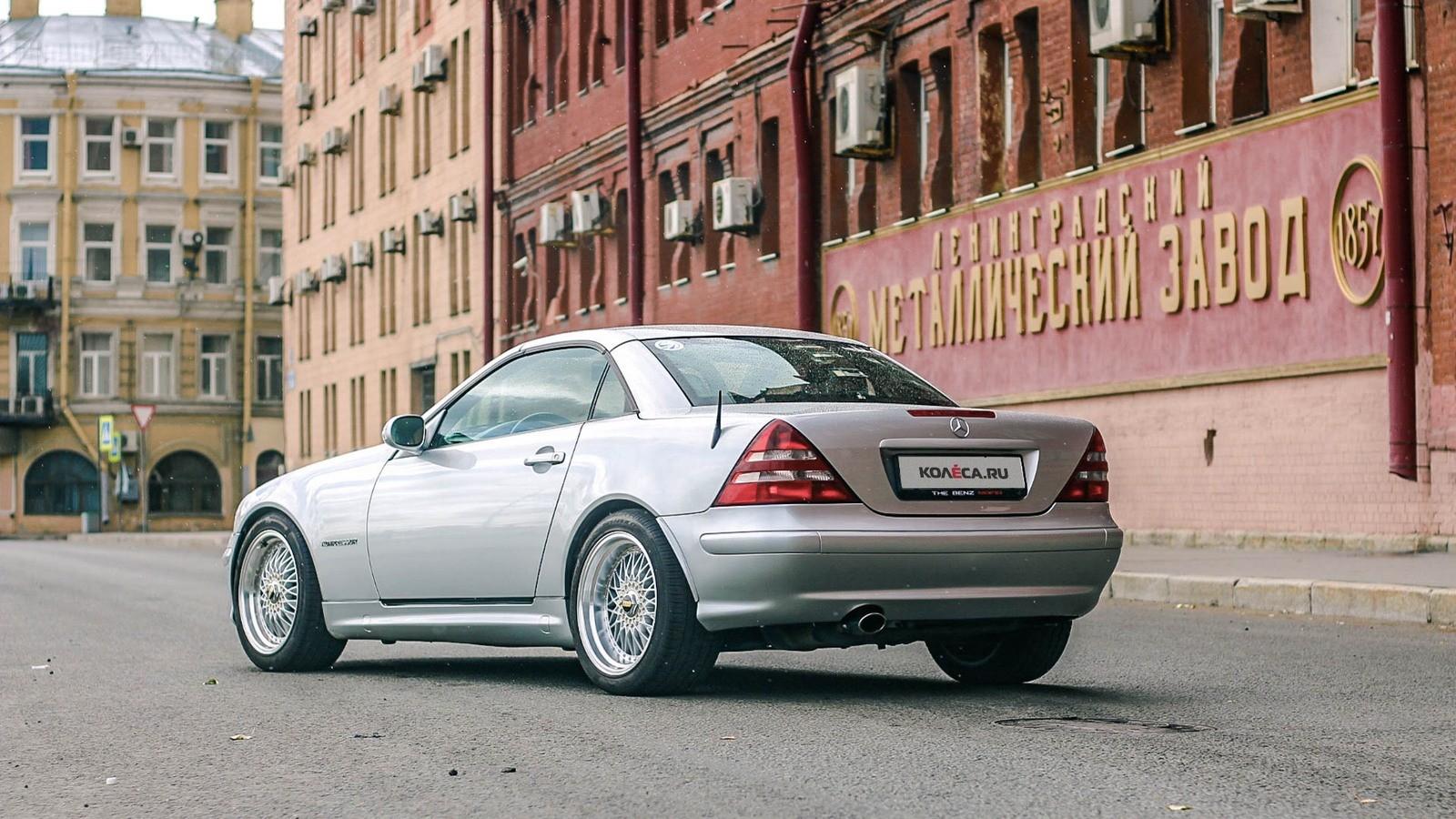 Mercedes-Benz SLK сзади (4)