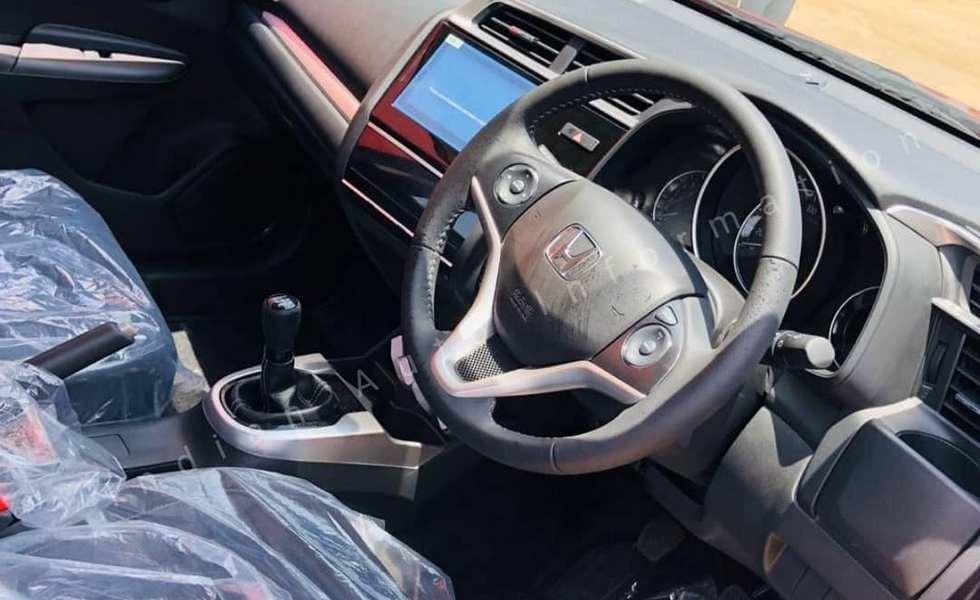 Посвежевший паркетник Honda WR-V: обновок меньше, чем ожидалось (дизель мощнее не стал)