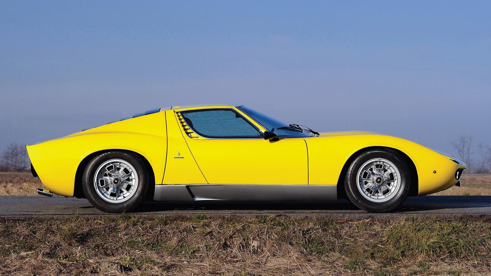 На фото: Lamborghini Miura '1966–1968