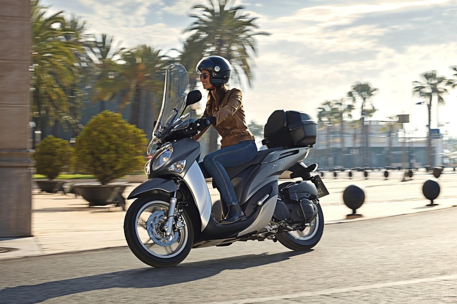 ГИБДД хочет пересадить молодёжь с мотоциклов на машины с надсмотрщиками