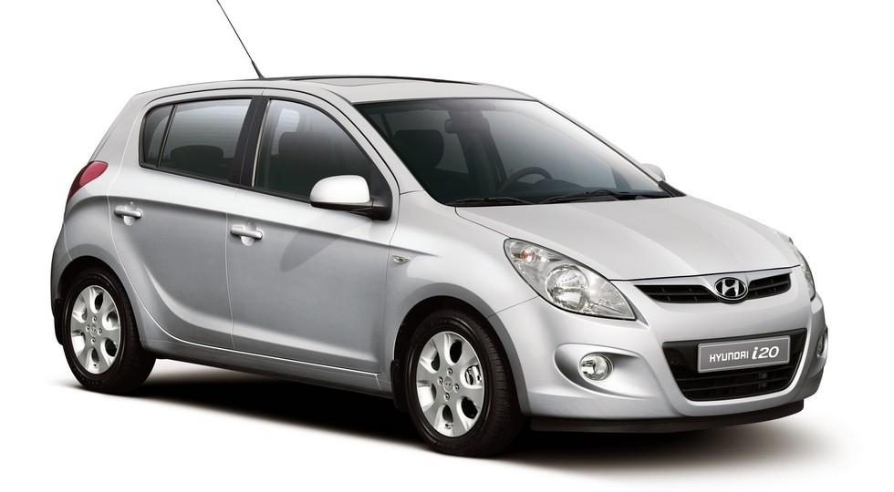 На фото: Hyundai i20 первого поколения