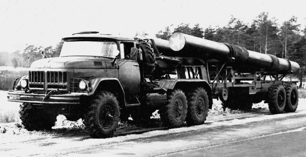 Самый распространенный советский активный автопоезд ЗИЛ-137 (из архива СКБ ЗИЛ)